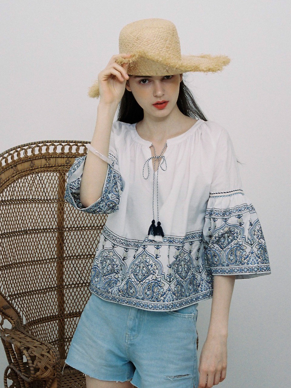 comos'13 embroidery blouse